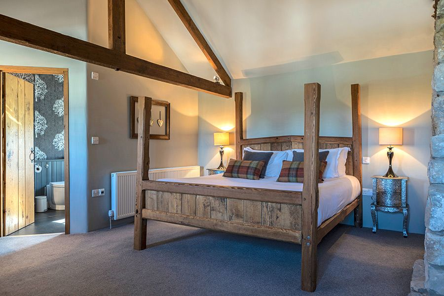 Master bedroom in Angel Barn, with ensuite